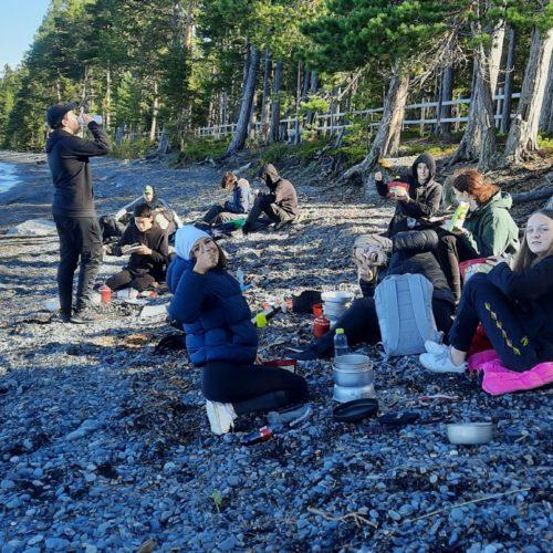 Kursen Idrott och hälsa 1 ute vid Bynäset